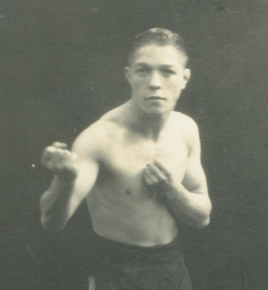 Arthur 'Boy' Edge (Smethwick) Southern Area flyweight champion 1931-33 and Southern Area bantamweight champion 1933.